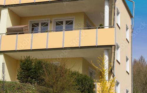 Moderne wohnh user in angesagtem viertel stockfotos und for Moderne wohnhauser