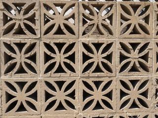 花型のコンクリートブロック