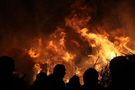 Satz von blue fire Symbole, Flachbild Feuer Flamme Vector Illustration.  Sammlung von blauen Flammen oder Lagerfeuer isoliert auf weißem  Stock-Vektorgrafik - Alamy