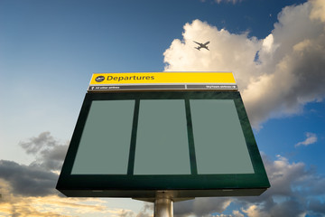 Fototapete - Airport Departure and Arrival sign at Heathrow, London