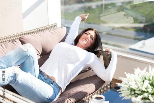 urlaub auf balkonien stockfotos und lizenzfreie bilder auf bild 81817768. Black Bedroom Furniture Sets. Home Design Ideas