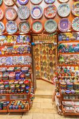 Shop mit Keramikwaren im Großen Basar in Istanbul