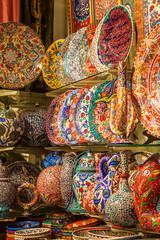 bunte Keramik auf dem Großen Basar in Istanbul