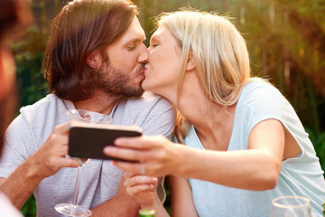 romantic selfie kiss