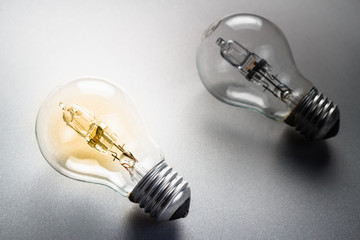 Comparative light bulb