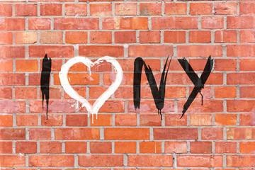 """""""I love NY"""" Graffiti auf einen Mauerhintergrund gerendert"""