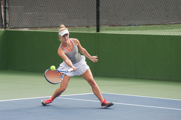 Focused on the forehand