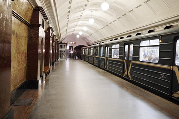 Sokolnicheskaya line - the first line of the Moscow metro.