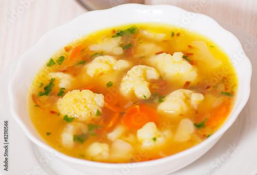 суп из цветной свежей капусты