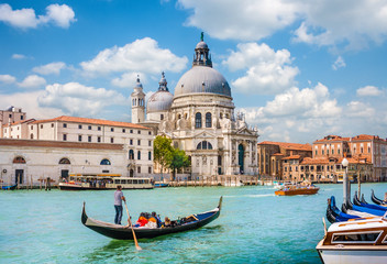 Printed kitchen splashbacks Historical buildings Gondola on Canal Grande with Santa Maria della Salute, Venice