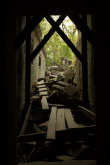 Beng Mealea dark hall