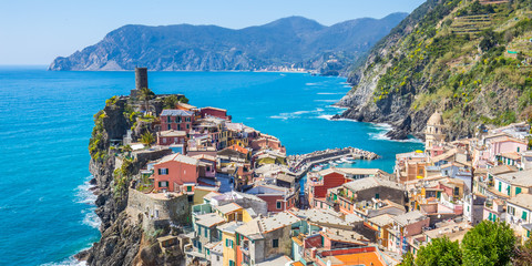Wall Mural - Panorama view of Vernazza in Cinque Terre, Italy
