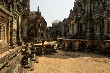Banteay Samre inside