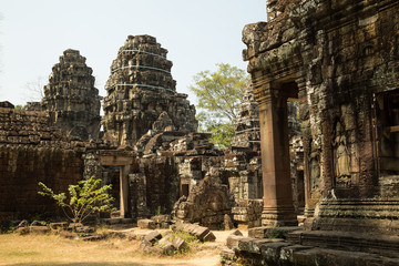 Banteay Kdei apsara and towers