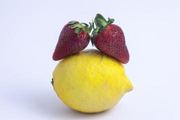 Coppia di fragole con limone