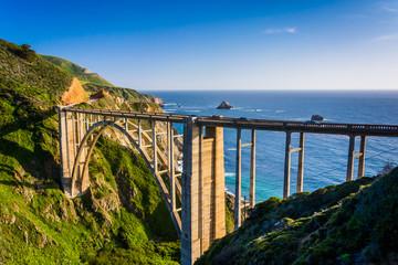 Cadres-photo bureau Cote Bixby Creek Bridge, in Big Sur, California.