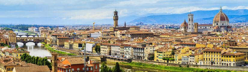 Spoed Fotobehang Florence Florence, Italy - view of the city and Cathedral Santa Maria del