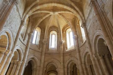 Interior de la Iglesia del Monasterio de Gradefes del Siglo XII