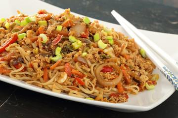 cibo asiatico spaghetti