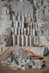Estrazione marmo di Carrara
