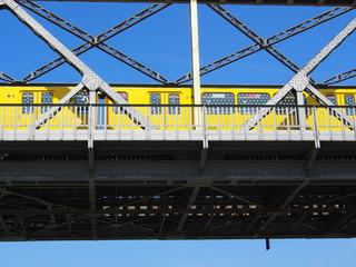 U-Bahn Berlin, Gleisdreieck-Brücke