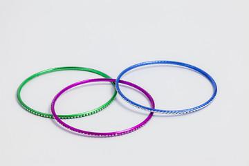 Set di tre bracciali