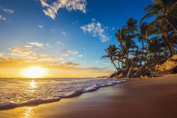 Fototapeta Landscape of paradise tropical island beach, sunrise shot obraz