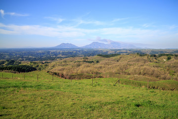 くじゅう高原と阿蘇山