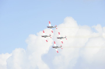 Synchronized flight of 4 planes in the team
