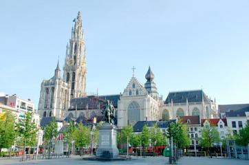 Stores à enrouleur Antwerp monument religieux et place à anvers