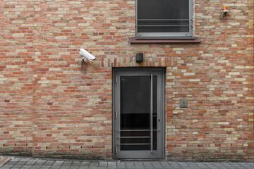 Haustür mit Kamera