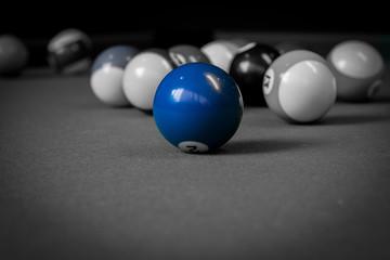 Blau machen am Billardtisch - colorkey