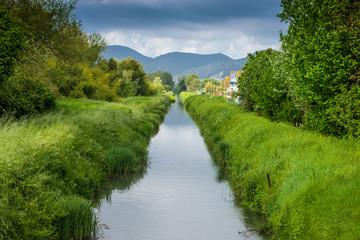 Canale, corso d' acqua, fiume