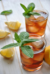 glasses of ice tea with mint