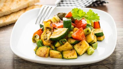gegrilltes Gemüse und Toast - grilled veggies and toast