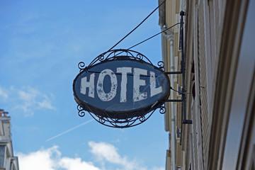 vieille enseigne d'hôtel