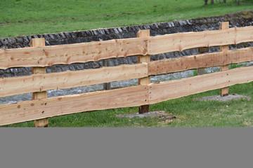 Foto immagini grafica vettoriali e video esenti da - Staccionate in legno per giardini ...