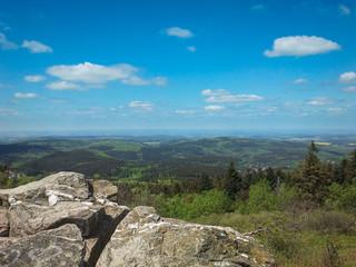 Blick vom Brunhildsfelsen in den Taunus
