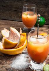 ftwo glasses resh orange juice