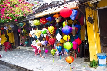 Handcrafted lanterns in ancient town Hoi An, Vietnam