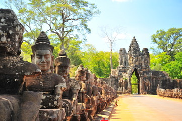 Photo sur cadre textile Monument Stone Gate of Angkor Thom in Cambodia