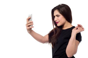 It's selfie time.
