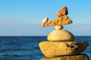 Balancing of stones