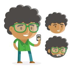 Un joven afroamericano con su teléfono celular