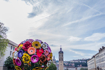 L'arbre à fleurs à Lyon