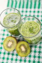 smoothie with kiwi