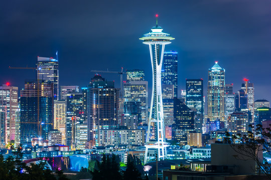 View of the Seattle skyline at night, in Kerry Park, Seattle, Wa