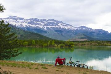 bisiklet ile yeni bölgeleri gezmek