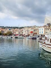 Cassis, le port et ses bateaux