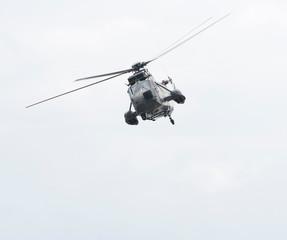 Militärhubschrauber in der Luft